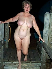 Amateur Outdoor Flash^outdoor Mature Mature Porn Sex XXX Mom Picture Pics