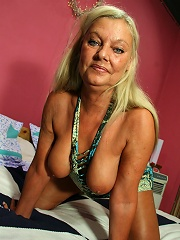 Blonde Mature Slut Playing With Her Dildo^mature Nl Mature Porn Sex XXX Mature Mom Free Pics Picture Gallery