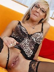 Cocksucking Mature Slut^mature Nl Mature Porn Sex XXX Mature Mom Free Pics Picture Gallery