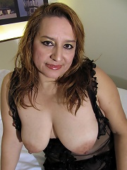 Chubby Mama Playing With Herself On Her Bed^mature Eu Mature Porn Sex XXX Mom Picture Pics