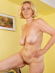 All Natural Blonde Hillary Spreading Her 51 Year Old Hairy Pussy Wide^all Over 30 Mature Porn Sex XXX Mature Matures Mom Moms Erotic Pics Picture Gall