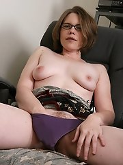 38 Year Old Business Lady With A Very Hairy Pussy Spreads^all Over 30 Mature Porn Sex XXX Mom Free Pics Picture Gallery